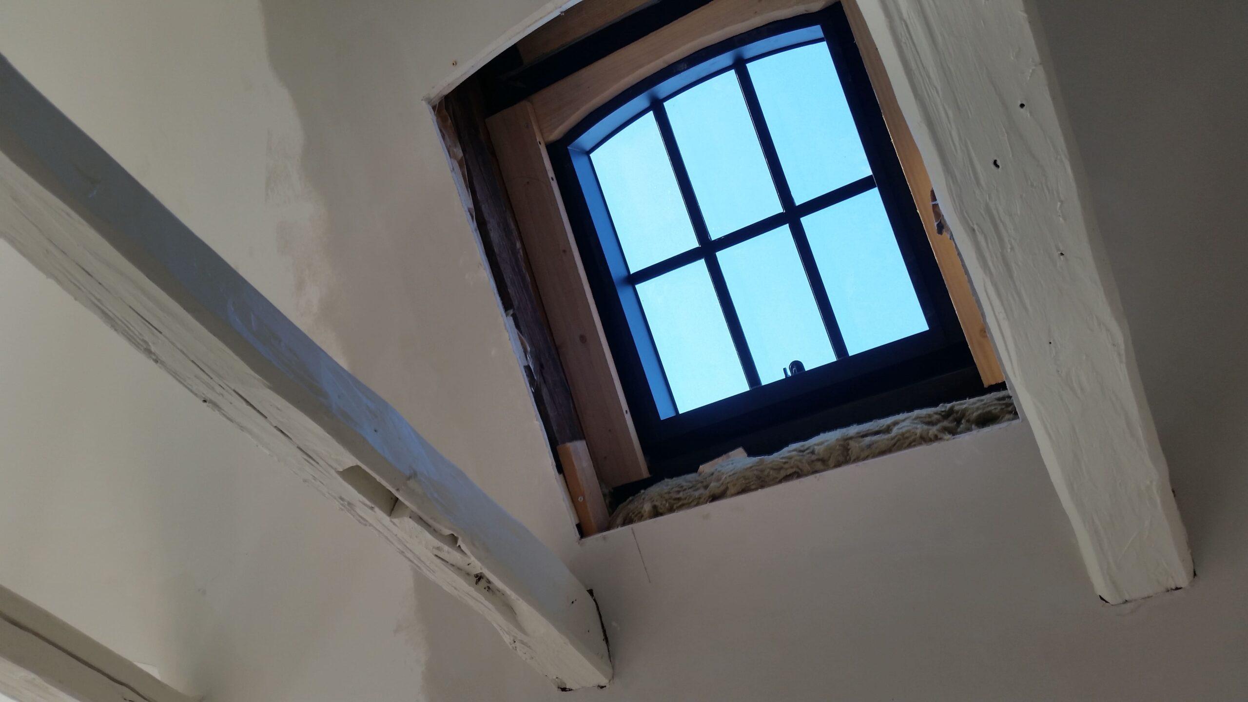 Ombygning af først sal / montering af kviste